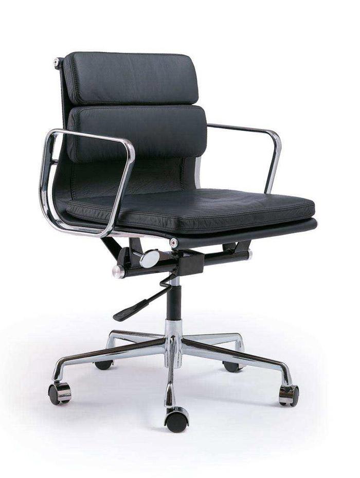 Charles ray eames soft pad chairs i grandi maestri - I grandi maestri del design ...