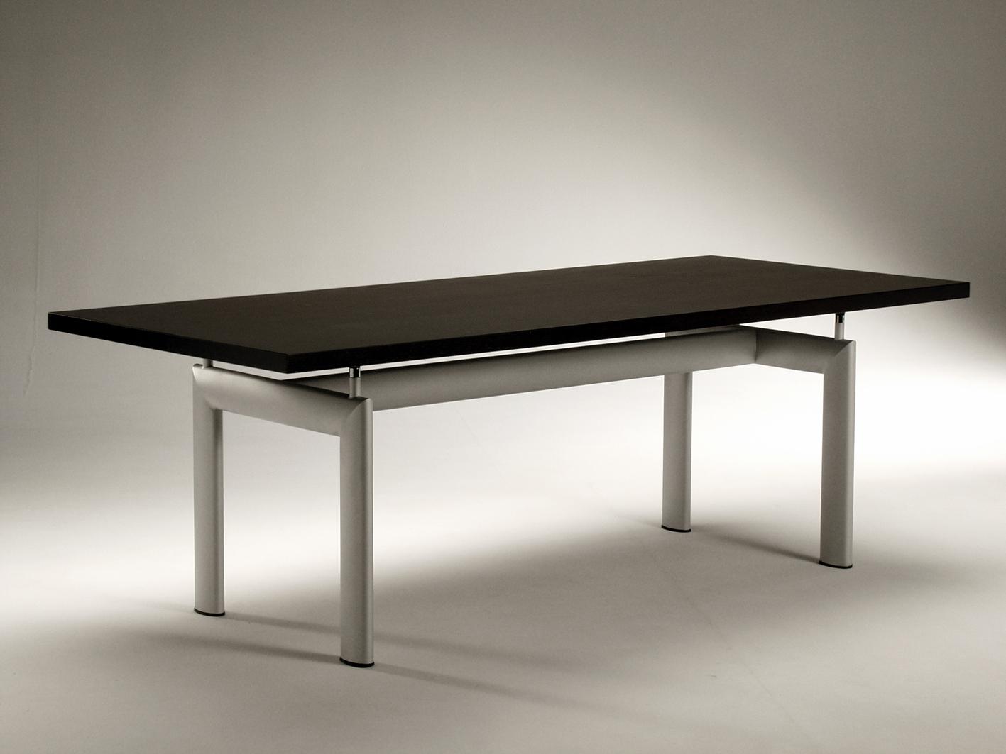 Tavolo LC6 Le Corbusier con piano in legno Tube d\'Avion